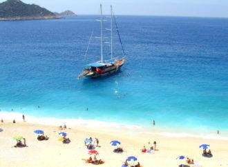 موسم سياحي مبشر في انطاليا و عموم تركيا