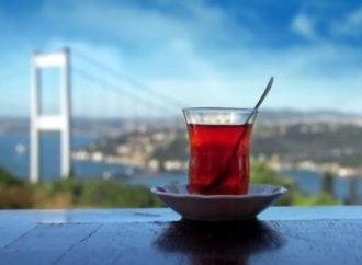إسطنبول و أنطاليا تجذبان غالبية السياح إلى تركيا